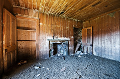 Living Room, Easter Morven, Glen Gairn (James_at_Slack) Tags: abandoned scotland fireplace aberdeenshire room debris cottage ruin livingroom crap cupboard ballater decayed tongueandgroove morven woodenwalls sluggan tullich glengairn shepherdshouse slugan eastermorven