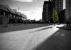 Couleur Locale 18 - Playing in the light (Marc Geuzinge Photography) Tags: light urban bw sunlight color green netherlands contrast canon dark fun europe cityscape powershot skateboard flevoland almere selective s100 marcgeuzinge marcgeuzingephotography