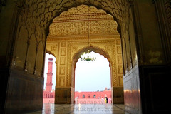 Mughal's Pride (Amir Mukhtar Mughal | www.amirmukhtar.com) Tags: pictures pakistan light beautiful canon image photos minaret images mosque amir badshahimosque mughal mughals mughalarchitecture muslimarchitecture pakistanimages imagesofpakistan minarat amirphotography historicalmosques picturesofpakistan photosofpakistan mughalmosques amirmukhtar emperormosque photographersofpakistan wwwamirmukhtarcom photographyofpakistan amp001506