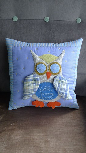 "Pillow • <a style=""font-size:0.8em;"" href=""http://www.flickr.com/photos/35733879@N02/7400680846/"" target=""_blank"">View on Flickr</a>"