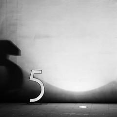 5 (SONG TSE) Tags: 5     2011