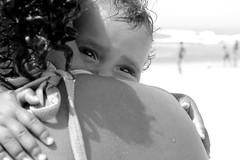 Aconchego (Comunidade dos Pequenos Profetas) Tags: love colo eyes tour child affection amor carinho mother olhos security yeux lap amour aconchego devotion bebê criança feeling enfant fellow mãe regard segurança simpatia mère gemuetlichkeit afeto endearment sécurité cosiness afetividade douillette
