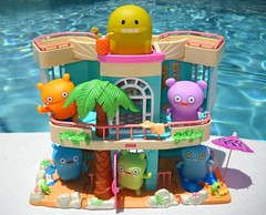 Happy Birthday Turtle! (tomo_moko) Tags: birthday summer streets price hotel big toe sweet turtle explore fisher tropical uglydolls babo jeero wage explored trunko