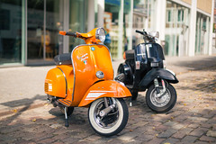 Vespa Rally (frank-hl) Tags: 50mm bokeh lbeck motorroller perspektive urban vespa