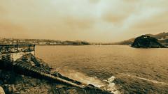 Escalera al Mar (candi...) Tags: escalera mar rocas costa niebla virado cielo nubes sansebastin sonya77 agua