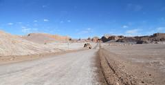 """Le désert d'Atacama: el Valle de la Luna et son Amphitéâtre (à droite) <a style=""""margin-left:10px; font-size:0.8em;"""" href=""""http://www.flickr.com/photos/127723101@N04/29227741425/"""" target=""""_blank"""">@flickr</a>"""