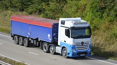 YJ66 VYG (panmanstan) Tags: mercedes actros mp4 wagon truck lorry commercial bulk freight transport haulage vehicle a180 meltonross lincolnshire