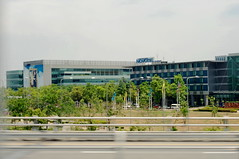 Airport (Tracy Truong) Tags: friends shopping thailand airport resort vietnam pataya banbe phongcanh dulich nghiduong muasam bobien