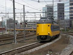 ICMm 4233+4077+4208+4248(AMERSFOORT 7-4-2012) (Ronnie Venhorst) Tags: train ns plan zug emu z icm trein intercity amersfoort nsr koploper sneltrein planz icmm