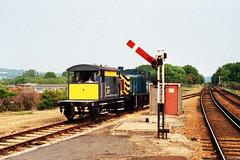 19860621 013 Sandown SR 15T Brakevan DS55724 and BR Class 03 0-6-0DM 03079 (15038) Tags: wagon br trains goods railways sr freight britishrail sandown shunter brakevan class03 03079 060dm 55724