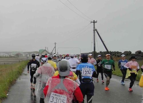 サロマ湖100kmウルトラマラソン〜折り返し