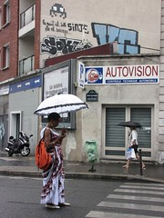 Space Invader PA_1009 : Paris 11eme (tofz4u) Tags: street people streetart paris rain umbrella tile graffiti mosaic tag spaceinvader spaceinvaders pluie invader raining rue parapluie mosaque artderue 75011 pa1009