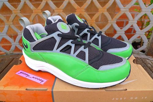 Nike Air Huarache Light x Stussy  Black   Acid - Medium Grey  (307277 599da9a6c