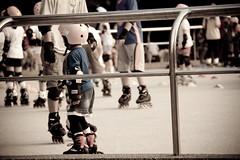 Anglų lietuvių žodynas. Žodis rollerblading reiškia ritininiai guoliai lietuviškai.