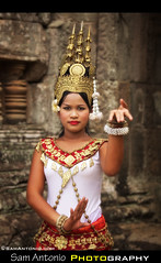 Apsara Dancer - Angkor Wat, Cambodia (Sam Antonio Photography) Tags: female dance cambodia khmer dancing bokeh buddhist angkorwat classical femalemodel siemreap angkor hindu nymph apsara gettyimages angkorwhat portraitphotography angkorian bayontemple travelportrait angkorwatcambodia travelfish apsaradancer apsaradancers cambodianwoman canon70200f4lis siemreapcambodia cambodiatravelguide canoneos5dmarkii khmerwoman femalespirit cambodianmodel gandharvas samantonio northwesterncambodia khmermodel samantoniophotographycom angkorwatphotography vidhyadhari laukika daivika khmerapsaradancers angkorwatphotographytips photographingangkorwat cambodiastockphotography photographingapsaradancers angkorwatphotographyguide angkorwatphotolocations
