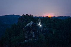Moonrise rock climbing (derliebewolf) Tags: lohmen sachsen deutschland de mond moon moonrise mountains bluehour landscape andventure hiking climbing rocks sabdstone travel nature sunset sliderssunday hss d600