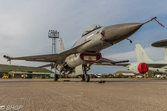 F-16A MLU Fighting Falcon, Belgian Air Force, RAF Coningsby (harrison-green) Tags: typhoon t3 raf coningsby eurofighter euro fighter plane aircraft jest fast royal air force shelter as night outdoor light blue airplane vehicle sigma 18250mm canon eos 700d shgp steven harrisongreen jet tornado gr4 panavia fgr4 netherlands luchtmachtdagen viper sunset evening dark belgian blizzard gismo