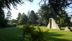 Dieppe - Jardin François Mitterrand (jeanlouisallix) Tags: dieppe seine maritime haute normandie france jardin garden parc park abres fontaine basin cascade arboretum nature françois mitterrand