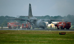 Italian Air Force G222 Nose Gear Collapse (Anhedral) Tags: italianairforce aeritalia g222 nosegearcollapse firebrigade transporter accident riat2002 raffairford
