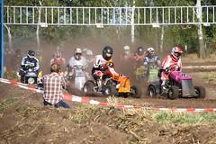 IMG_9425_hf (Wallus2010) Tags: rasenmherrennen2016 grosmoor motorsport rennen hbschemdchen boxenluder eos500d tamron18200vc lawnmower racing lawnmowerracing germany outdoor moorbockcross 2016 moorbockrennen