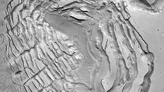 ESP_025755_2200 (UAHiRISE) Tags: mars nasa mro jpl universityofarizona landscape geology science