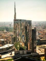 Una citt allo specchio (agoralex) Tags: torrebrancadellaregionelombardia milano agoralex localit europa piazzagaeaulenti lombardia italia panorama torreunicredit city citt