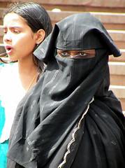 Eyeing the world (bokage) Tags: woman india veil delhi muslim islam hijab niqab jamamasjid