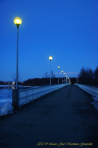 "Oulu: Korkeasaarensilta bridge (The blue hour) • <a style=""font-size:0.8em;"" href=""http://www.flickr.com/photos/26679841@N00/7103098453/"" target=""_blank"">View on Flickr</a>"