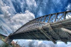 Under the Bridge (chinasky1975) Tags: bridge sky puente song australia recuerdo cielo sydeny canción dblringexcellence tplringexcellence eltringexcellence