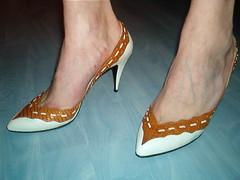 st95bbrnaf (grandmacaon) Tags: pumps highheels stilettos lowcut talonsaiguille escarpins sexyheels hautstalons toescleavage