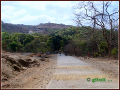 Road to the Caves (Kquester) Tags: park national gandhi sanjay
