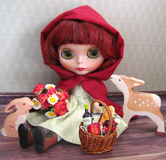 red riding hood (twinkle_moon_bunny) Tags: red fairytale river deer riding fairy hood blythe tale gentle copperbeech elvina