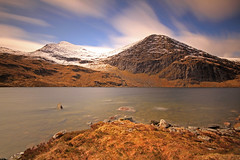 Two Peaks. (Gordie Broon.) Tags: longexposure mountains nature water clouds landscape geotagged photography scotland scenery rocks alba scenic windy escocia cliffs schottland ullapool westerross ecosse munro snowcappedmountains scottishhighlands braemore outlier sgurrmor sigma1020mmlens twopeaks nd110filter canoneos7d lochamhadaidh carnnacriche bestcapturesaoi gordiebroon scottishwesternhighlands elitegalleryaoi fannaichmountains
