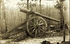 Mcgrew_0254 (San Diego Air & Space Museum Archives) Tags: johnmcgrew worldwarone ww1 wwi artillerie artilery howitzer thegreatwar greatwar worldwari thefirstworldwar cannon artillery