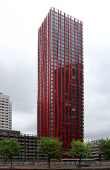Red Apple (Hans van der Boom) Tags: city red building apple netherlands lines modern rotterdam nederland flickrmeet meet achitecture treest gamewinner flickmeet storybookwinner pregamewinner