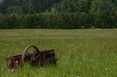 (joolieboolie) Tags: blue sky green abandoned grass barn washington meadow rusty machinery doty