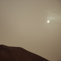 Calima (Mara T Pons) Tags: sun haze sand air dirt heat canaryislands calima saharadesert verano2012