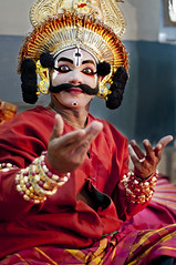 The Yakshagana Portraits (Anoop Negi) Tags: street red portrait playing photography coast photo dance nh event 17 drama anoop pune role gestures negi ramayana thespian spic honavar mahabharata yakshagana ezee123 pandavas indiakarnataka honnavar macay keremane kauravas
