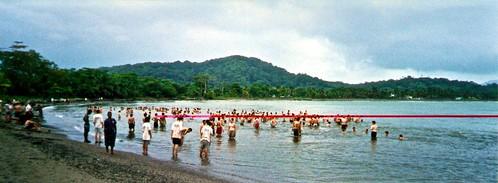 037 - Nombre de Dios. Playa del Campamento. Baño Ritual en el Atlántico.
