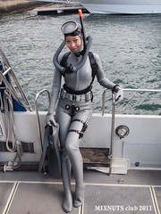 ReadyForDive0291 (mixnuts club) Tags: fetish scuba diving rubber diver wetsuit wetsuits frogwoman