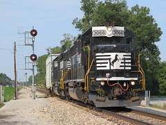 NS B01 East (codeeightythree) Tags: railroad ns michigan norfolk line southern amtrak local freight gp402 b67 geeps