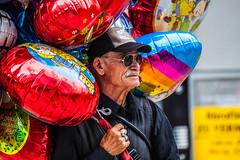 (oxymoron12) Tags: old man sunglasses frankfurt balloon ring