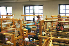 (RAIL REED & weaving) Tags: looms weavers weaving summercourses weavehackers