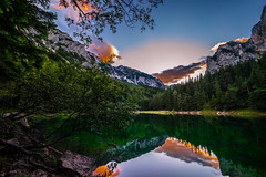 sunset at Green Lake (CHCaptures) Tags: sunset golden hour lake water green sky trees mountain landscape landschaft grner see wasser bume berge steiermark austria styria sonyilce7 voigtlnder heliar 15mm super wide angle lens reflection