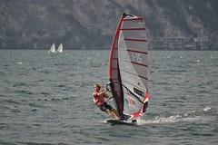 Surfin' - Lago di Garda Serie lV (And Hei) Tags: wind windsurfen windsurfing surfing cool d800 nikon lagodigarda gardasee sport sports