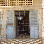 "Barbed Wire at Tuol Sleng Prison <a style=""margin-left:10px; font-size:0.8em;"" href=""http://www.flickr.com/photos/14315427@N00/6968984738/"" target=""_blank"">@flickr</a>"