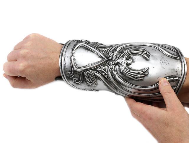 NECA - 刺客教條2 1:1 袖劍複製品