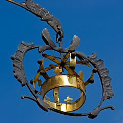 Eagle and Crown (hogsvilleBrit) Tags: sign metal square gold krone stuttgart crown beutelsbach hotelkrone