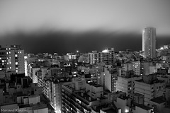 Escasa Visibilidad (Mariano Rendino) Tags: city bw white mist black blanco argentina night del noche mar y negro edificio ciudad bn cielo plata and neblina mariano niebla oscuridad mdq mdp rendino
