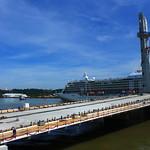 Départ du paquebot Seven Seas Voyager - Bordeaux - 31 mai 2012 thumbnail
